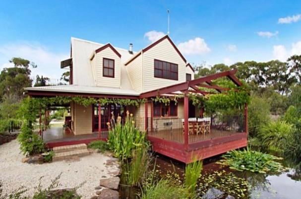 Glenaroura Home